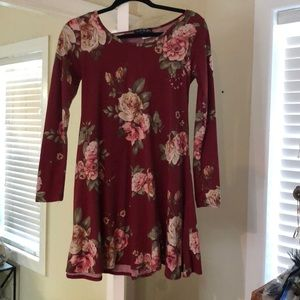 Dresses & Skirts - Red long sleeve floral dress